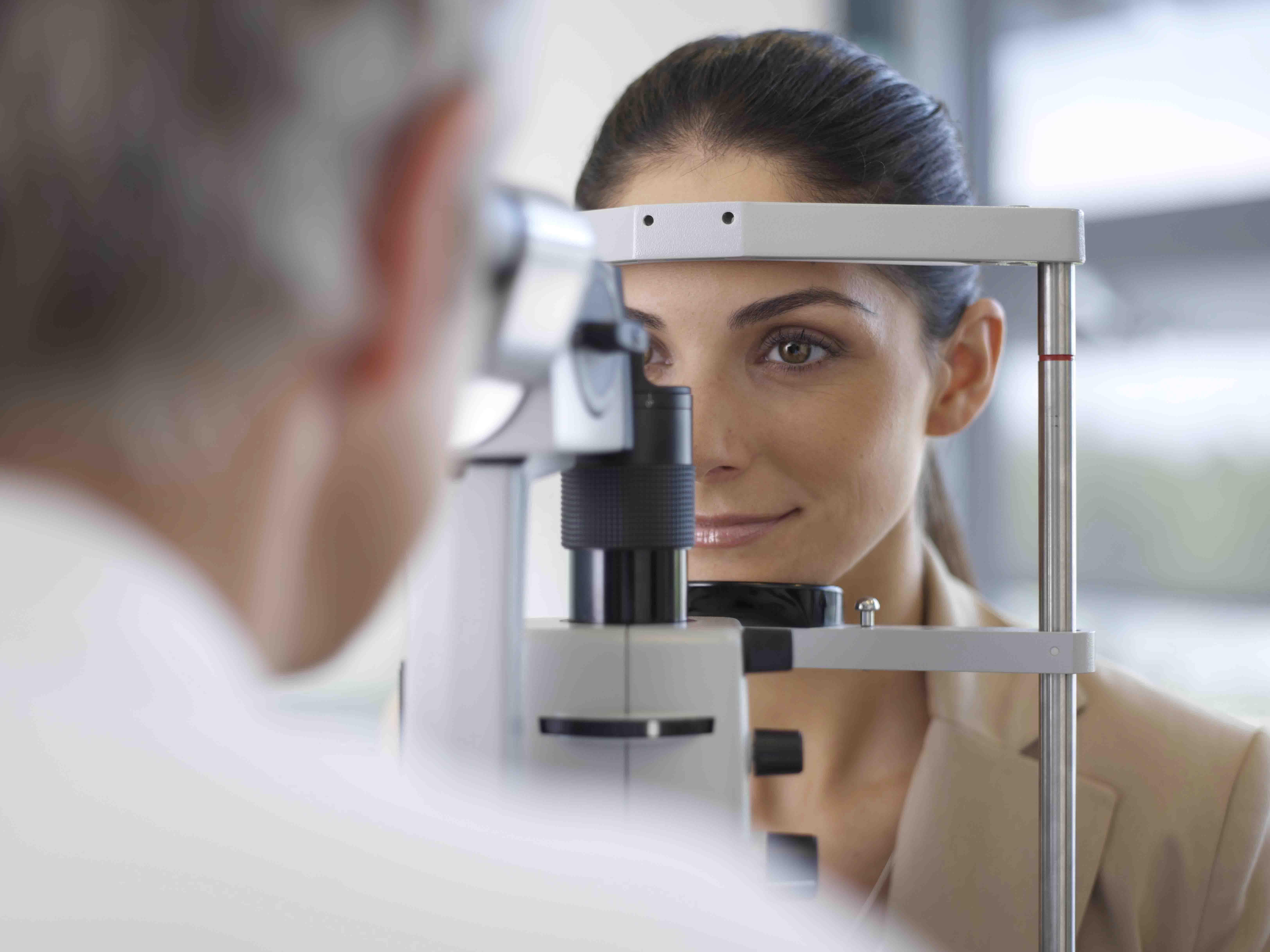 Centre laser - se faire opérer des yeux- Clinique New Vision Nice - chirurgie refractive - correction des yeux - trouble de la vision